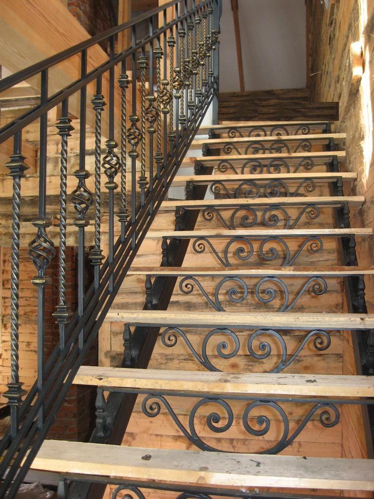 лестницы металлические кованые дома фото можете также